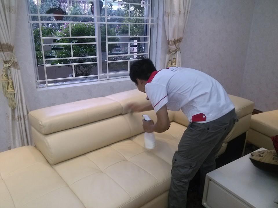 Cách vệ sinh bảo quản , giặt ghế sofa tại nhà